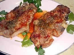 comment cuisiner des cotes de porc recette de cote de porc échine au piment d espelette