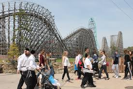 New York Six Flags Great Adventure Great Adventure How An Amusement Park Goes Orthodox For Passover