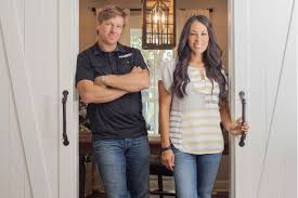 chip joanna gaines fixer upper stars chip and joanna gaines are hiring here s how to