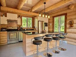 cuisine chalet bois aigle noir au chalet en bois rond chalets appartements