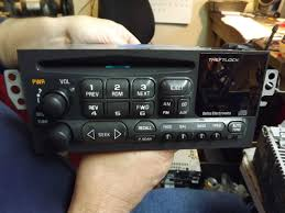 1995 1996 1997 1998 1999 2000 2001 2002 chevy suburban cd radio