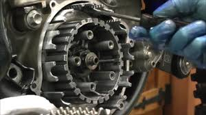 suzuki rm 125 clutch basket refurb youtube