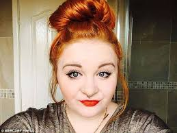 how to put red hair in on the dide with 27 pieceyoutube woman who used a truly blonde hair dye is left with three inches