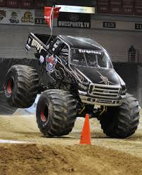 monster trucks tv show photo gallery monster truck winter nationals 2 20 11