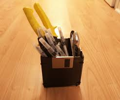 floppy disk pen holder 5 steps