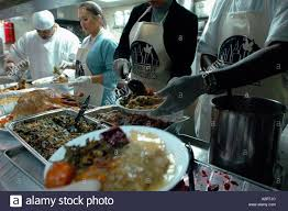how to prepare a thanksgiving dinner volunteers prepare and serve thanksgiving dinner to the homeless