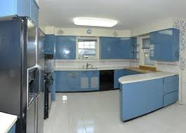 st charles kitchen cabinets one ingenious couple two sets of vintage st charles kitchen