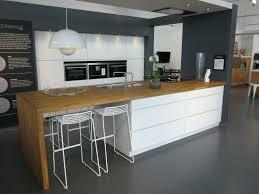 cuisine mouvement dimension meuble cuisine inspirant exciting cuisine mouvement design