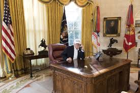 White House Oval Office Desk White House S Working Picture Gets Laughs On Social Media