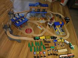 imaginarium metro line train table amazon interesting imaginarium city central train table set images best