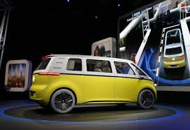 volkswagen microbus 2017 volkswagen u0027s electric ai equipped microbus will drive you into