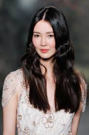 middle parting weave hairstyles modern sexy long hairstyles keep your amazing styles