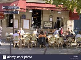 bureau de poste restaurant cafe on rue jean de bellay isle de st louis stock photo