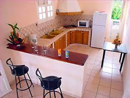 cuisine avec bar am icain plan de travail cuisine amricaine cuisine americaine blanc laque
