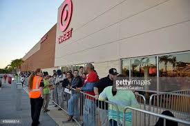 target eden prairie black friday crowds doorbuster stock photos and pictures getty images