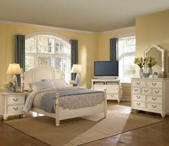 White Queen Bedroom Furniture Antique White Bedroom Furniture Bedroom Design Decorating Ideas