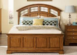 oak finish traditional bed w optional case goods