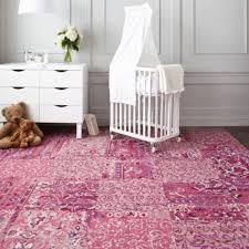 tapis chambre fille le tapis chambre bébé des couleurs vives et de l imagination
