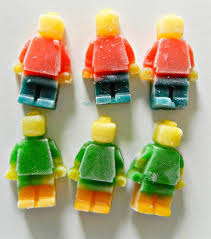 edible legos edible lego men allfreekidscrafts