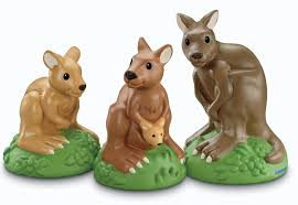 amazon com fisher price little people zoo talkers kangaroo family