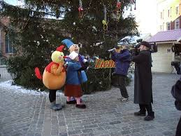 First Decorated Christmas Tree Latvia by Christmas Tree Tradition Began In Riga Latvia And Was Not Martin