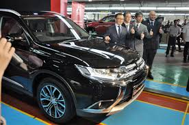 outlander mitsubishi 2017 mitsubishi motors malaysia rolls out locally assembled outlander