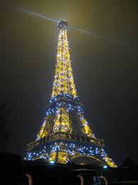 Eiffel Tower Ornaments The Light Show Of The Eiffel Tower On New Years Day Traveldudes Org