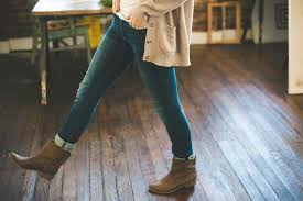 5 easy ways to jazz up jeans to make them look fashionable stay