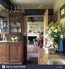 Wallpaper In Dining Room William Morris Green Willow Pattern Wallpaper In Old Fashioned