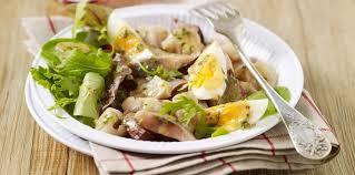 la cuisine lyonnaise salade lyonnaise facile et pas cher recette sur cuisine actuelle