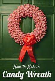 what a sweet idea make a red and white candy wreath with goetze u0027s