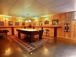 salle de jeux adulte natif au chalet en bois rond