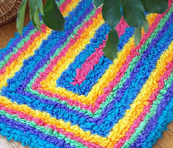 88 best latch hooking images on pinterest latch hook rugs hooks