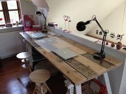 fabriquer bureau bureau en palette modèles diy et tutoriel pour le fabriquer soi