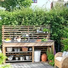 cuisine exterieure castorama cuisine d exterieure une simple cuisine dactac en bois a rangements