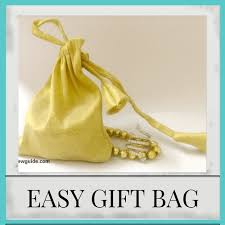 cloth gift bags start fabric gift bags diy tutorial sew guide