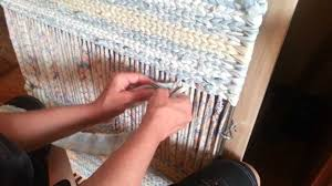 How To Rag Rug Twining A Body Of A Rag Rug In More Detail Video 2 Youtube