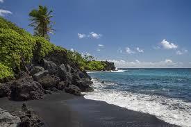 Black Sand Beach Hawaii | black sand beaches pink sand beaches green sand beaches red
