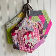 free patterns quilted potholders log cabin hexi potholders a tutorial with partial seams