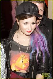 demi lovato hair extensions demi lovato shows colorful clip on hair extensions photo