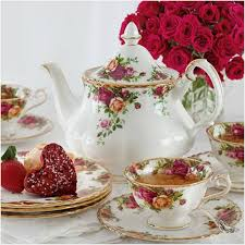 country roses tea set 811 best country roses royal albert images on