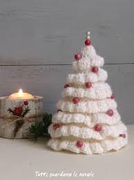 tutti guardano le nuvole crochet christmas trees craft e ideas