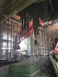 dutch experts called in to help recover toppled mecca crane