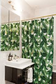 Bathroom Curtain Ideas Pinterest by Best 25 Tropical Shower Curtains Ideas On Pinterest Green