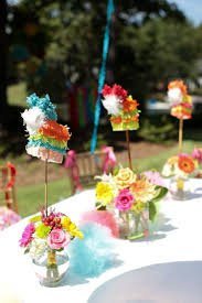 Centerpieces For Table Best 25 Mexican Centerpiece Ideas On Pinterest Fiesta