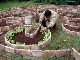 How To Make An Urban Garden - keyhole garden how to build a keyhole garden raised bed