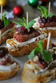 Easy Starters Recipes For Dinner Parties Cranberry Brie And Prosciutto Crostini With Balsamic Glaze The