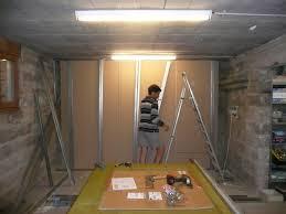 am駭ager une chambre dans un garage isoler sol garage pour faire chambre à d intérieur inspiré du