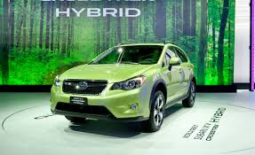 subaru crosstrek hybrid 2017 2014 subaru xv crosstrek photos and info u2013 news u2013 car and driver