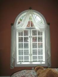 Circle Window Blinds Best 25 Half Circle Window Ideas On Pinterest Blinds For Arched